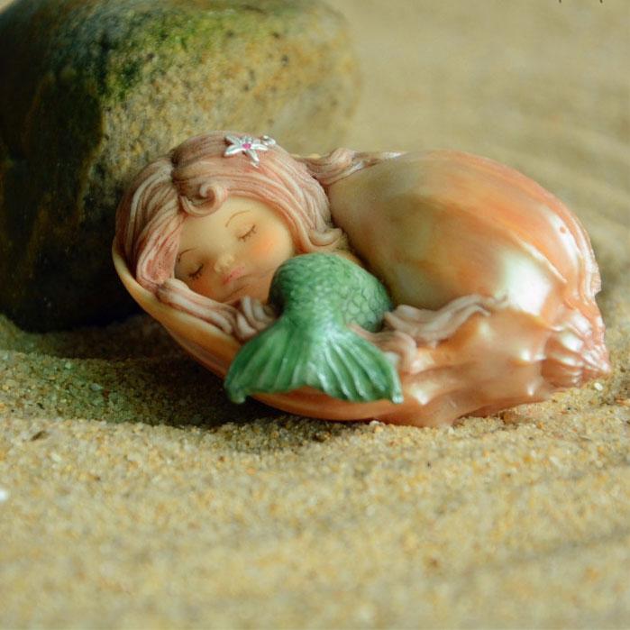 赤毛の髪の毛の人魚置物人形、貝殻シェルに包まれて寝ている人魚の妖精、マーメイドフェアリーオブジェecqdmermaid001